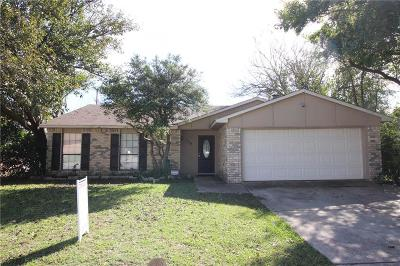 Arlington Single Family Home For Sale: 704 Levelland Drive