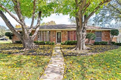 Desoto Single Family Home Active Contingent: 1052 Westlake Drive