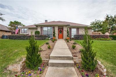 Carrollton Single Family Home For Sale: 2234 Woodcreek