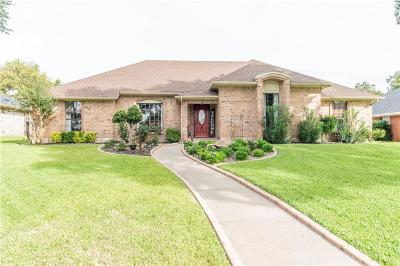 Duncanville Single Family Home Active Contingent: 1215 Fawn Ridge Drive