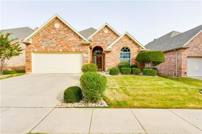 Euless Single Family Home For Sale: 305 Park Haven Boulevard