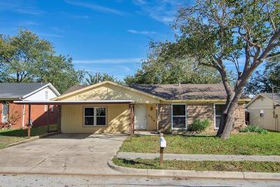 Watauga Single Family Home For Sale: 6904 Yorkston Street