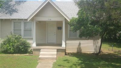 Everman Single Family Home For Sale: 714 Enon