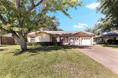 Benbrook Single Family Home For Sale: 1012 S Timberline Drive