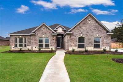 Kennedale Single Family Home For Sale: 1714 Stags Leap Trail