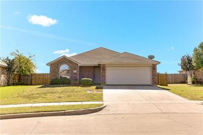 Saginaw Single Family Home For Sale: 621 Fossil Wood Drive