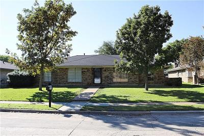 Single Family Home For Sale: 2109 Maple Leaf Drive