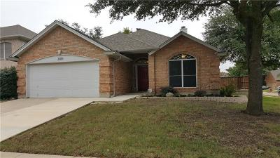 Flower Mound Single Family Home For Sale: 2300 Mapleleaf Lane