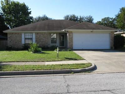 Saginaw Single Family Home For Sale: 1017 Green Ridge Terrace