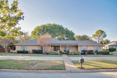 Hurst Single Family Home For Sale: 1625 Westridge Drive