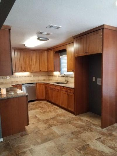 Weatherford Single Family Home For Sale: 806 Hilltop Drive