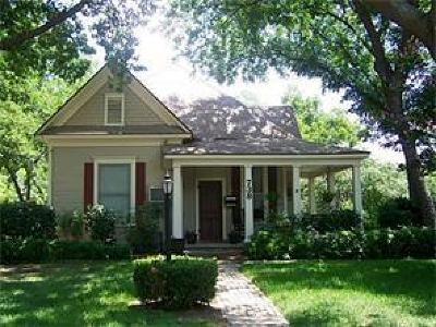 Cleburne Single Family Home Active Option Contract: 738 N Buffalo Avenue