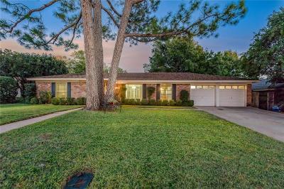 Hurst Single Family Home For Sale: 1740 Cynthia Lane