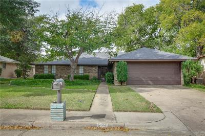 Lewisville Single Family Home For Sale: 1920 Aspen Drive