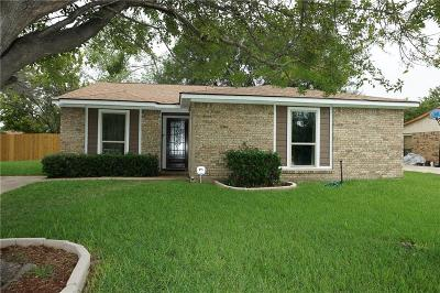 Grand Prairie Single Family Home For Sale: 546 Damon Drive