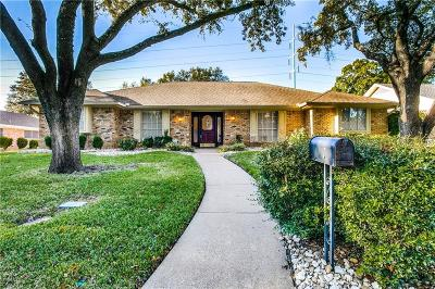 Arlington Single Family Home For Sale: 1706 Russwood Drive