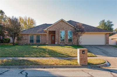 Hurst, Euless, Bedford Single Family Home For Sale: 412 Elisha Drive