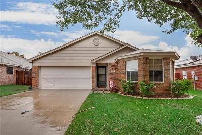 Saginaw Single Family Home For Sale: 845 Meadowlark Drive