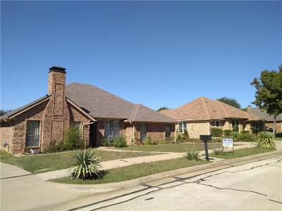 Irving Single Family Home Active Option Contract: 4929 Longwood Court