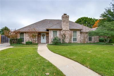 Hurst, Euless, Bedford Single Family Home For Sale: 524 Heneretta Drive