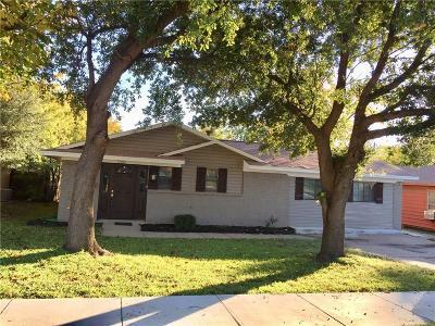Single Family Home For Sale: 2110 Pontiac Drive