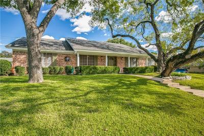 Hurst Single Family Home For Sale: 1712 Renee Drive