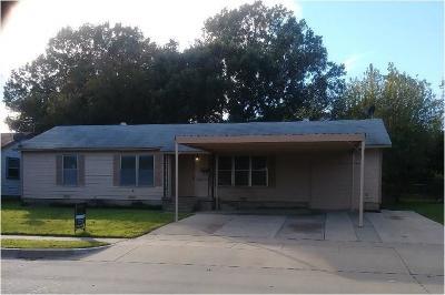 Haltom City Single Family Home For Sale: 3605 Katrine Street
