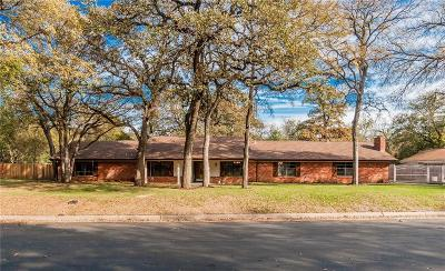 Bedford, Euless, Hurst Single Family Home For Sale: 1501 Pebble Creek Drive