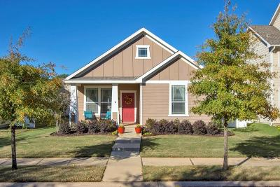 Single Family Home For Sale: 1605 Angel Lane