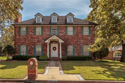 Arlington Single Family Home For Sale: 2414 Green Park Drive