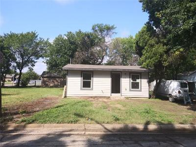 Fort Worth Single Family Home For Sale: 2518 Birdell Street