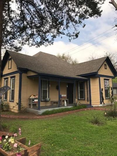 Cleburne Single Family Home For Sale: 507 N Wilhite Street