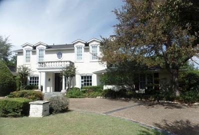 Dallas County Single Family Home For Sale: 4561 Royal Lane