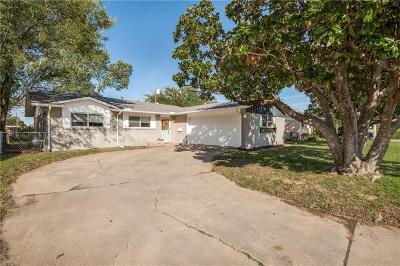 Irving Single Family Home For Sale: 2513 Dewitt Street