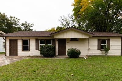 Burleson Single Family Home Active Option Contract: 400 NW Lorna Street