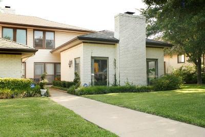 Dallas County Half Duplex For Sale: 9402 Moss Farm Lane