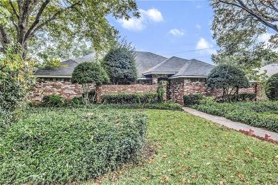 Dallas Single Family Home For Sale: 10112 Branwood Lane