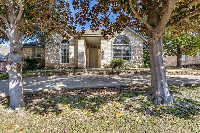 North Richland Hills Single Family Home For Sale: 6509 Meadow Lakes Drive
