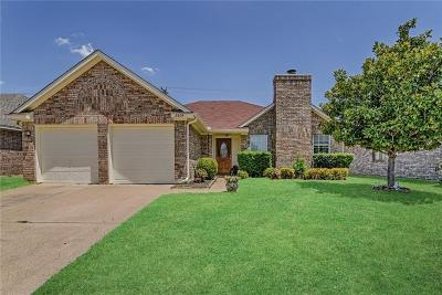Bedford, Euless, Hurst Single Family Home For Sale: 2804 Amberton Place