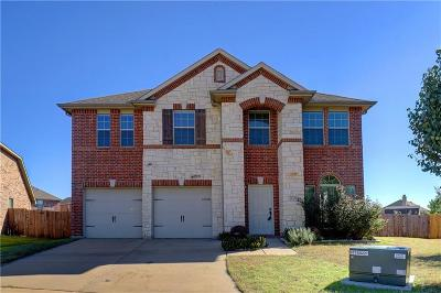 Fort Worth Single Family Home For Sale: 5701 Navigation Court