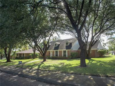 Single Family Home For Sale: 508 Brook Valley Lane