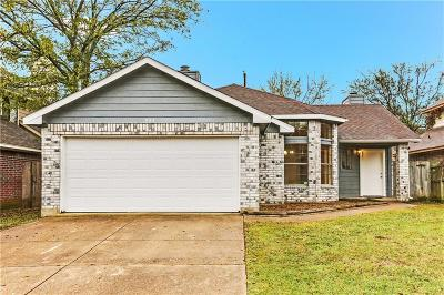 Cedar Hill Single Family Home For Sale: 923 Ragland Drive