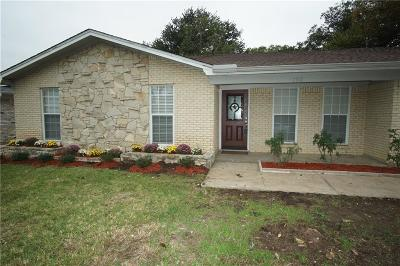 Arlington Single Family Home For Sale: 2102 Elaine Court