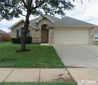 Grand Prairie Single Family Home For Sale: 1332 Clearwater Drive