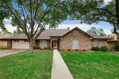 Arlington Single Family Home For Sale: 4011 Stonewick Drive