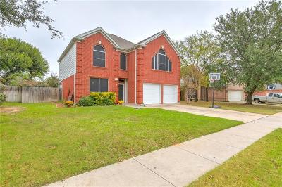 Burleson Single Family Home For Sale: 513 Briarcrest Drive
