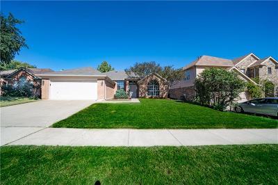 Haltom City Single Family Home For Sale: 5685 Rockport Lane