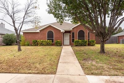 Single Family Home For Sale: 1305 Vail Lane