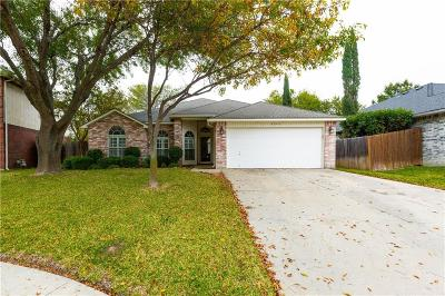 Grand Prairie Single Family Home Active Option Contract: 3044 Marigold Drive