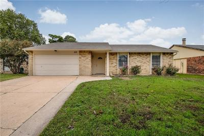 Grand Prairie Single Family Home Active Option Contract: 1126 Clark Trail